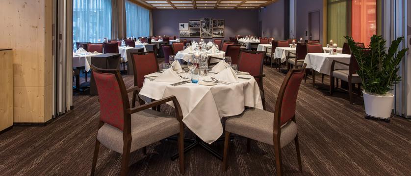 Switzerland_Grindelwald_Hotel_Sunstar_Alpine_Restaurant_Ambinace.jpg